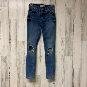 Free People Distressed Jeans Size 25